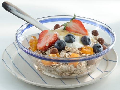 Овсянка с фруктами - твой энергетический запас до самого обеда