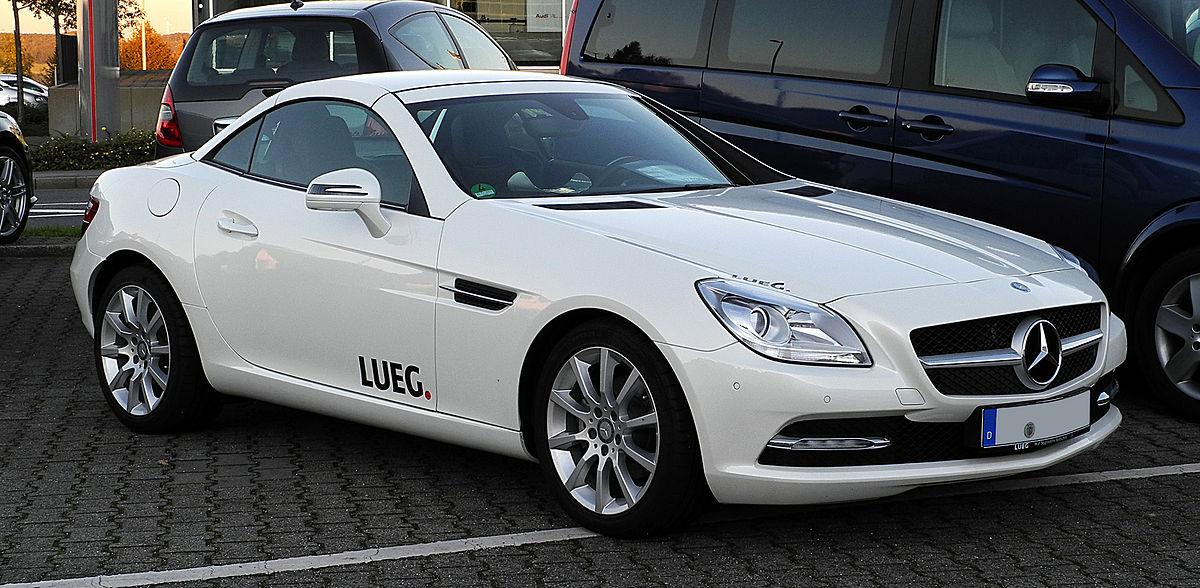 Родстер Mercedes-Benz SLK  - его дизайн разрабатывался под руководством Майкла Мауэра