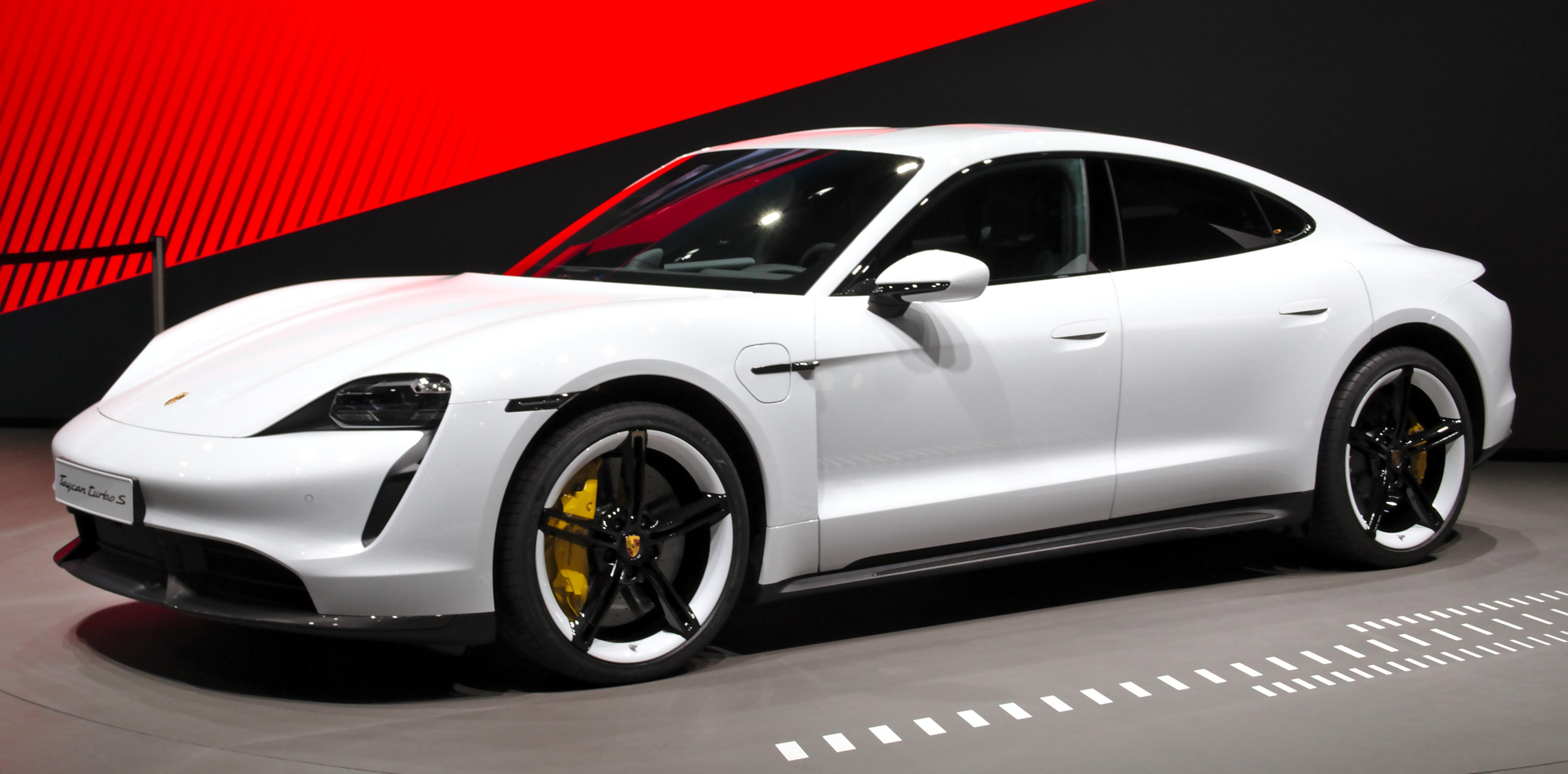 Назван лучший автомобиль 2020 года