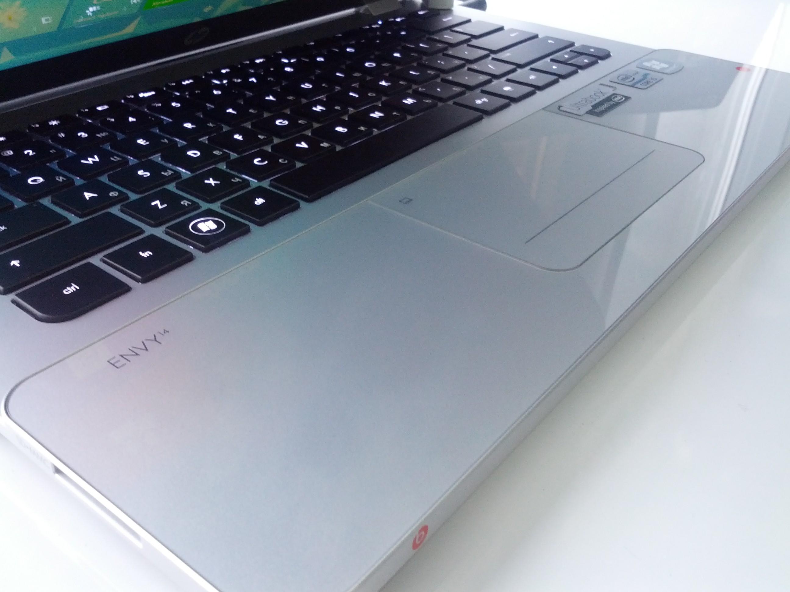 HP ENVY 14 Spectre - рабочая стеклянная поверхность с Gorilla Glass 2