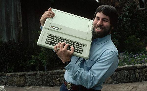 Компьютер придумал Стив Возняк