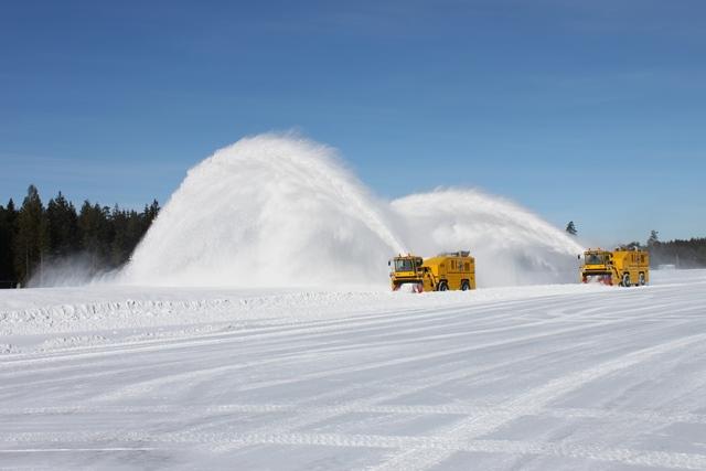 90% снегоуборочной техники - это машины в возрасте 30-50 лет, - Омелян - Цензор.НЕТ 4735