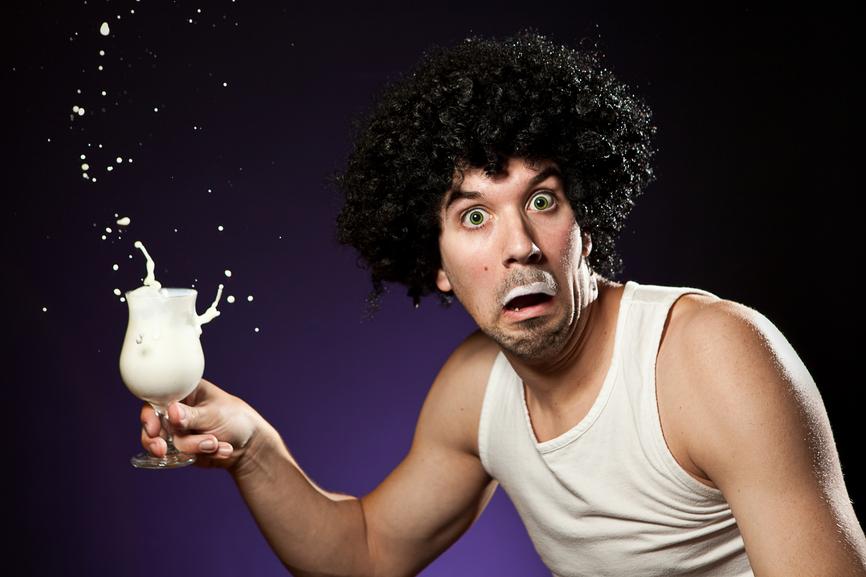 Согласно ученым, мужчина каждый день должен выпивать треть стакана йогурта
