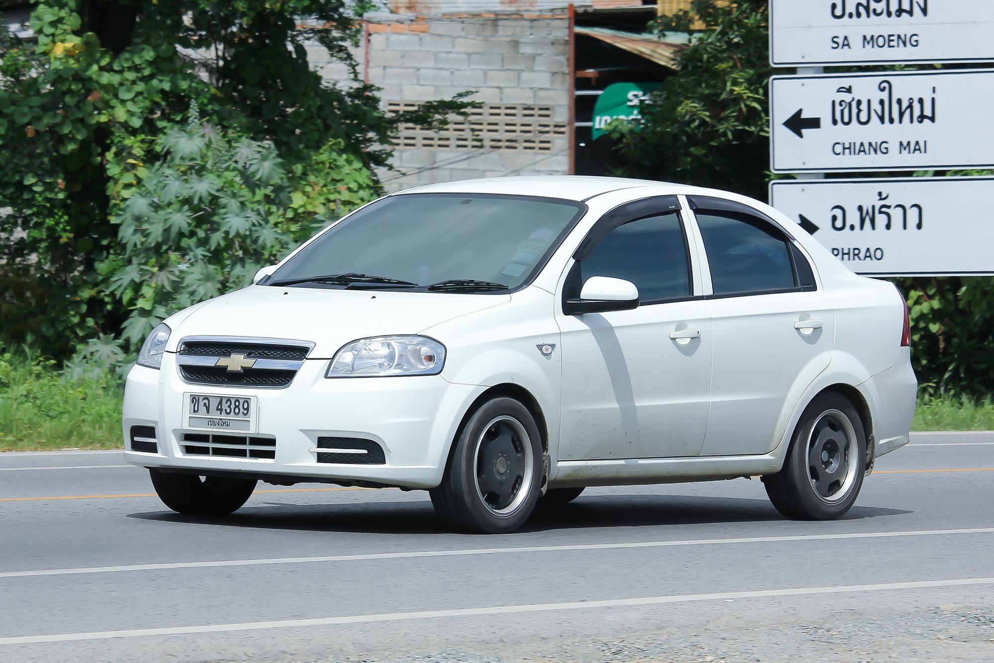 ТОП-10 автомобилей с пробегом для девушек