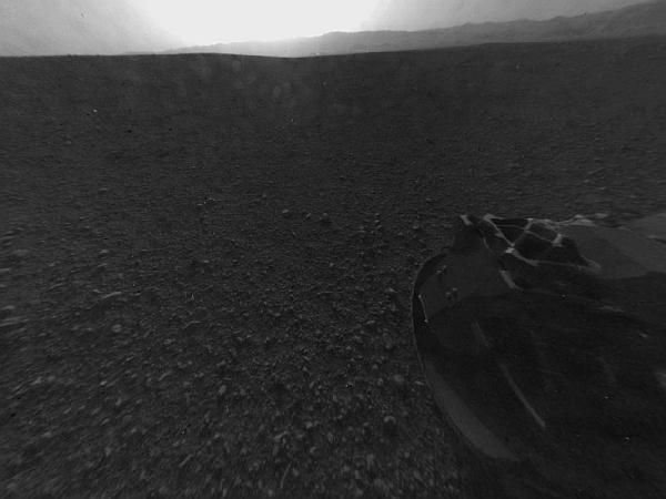 Марсоход Curiosity на поверхности Красной планеты