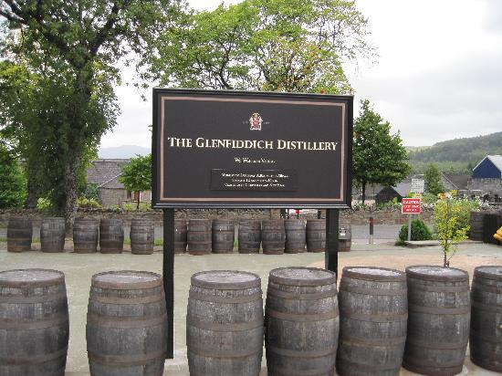Вискокурня Glenfiddich Distillery