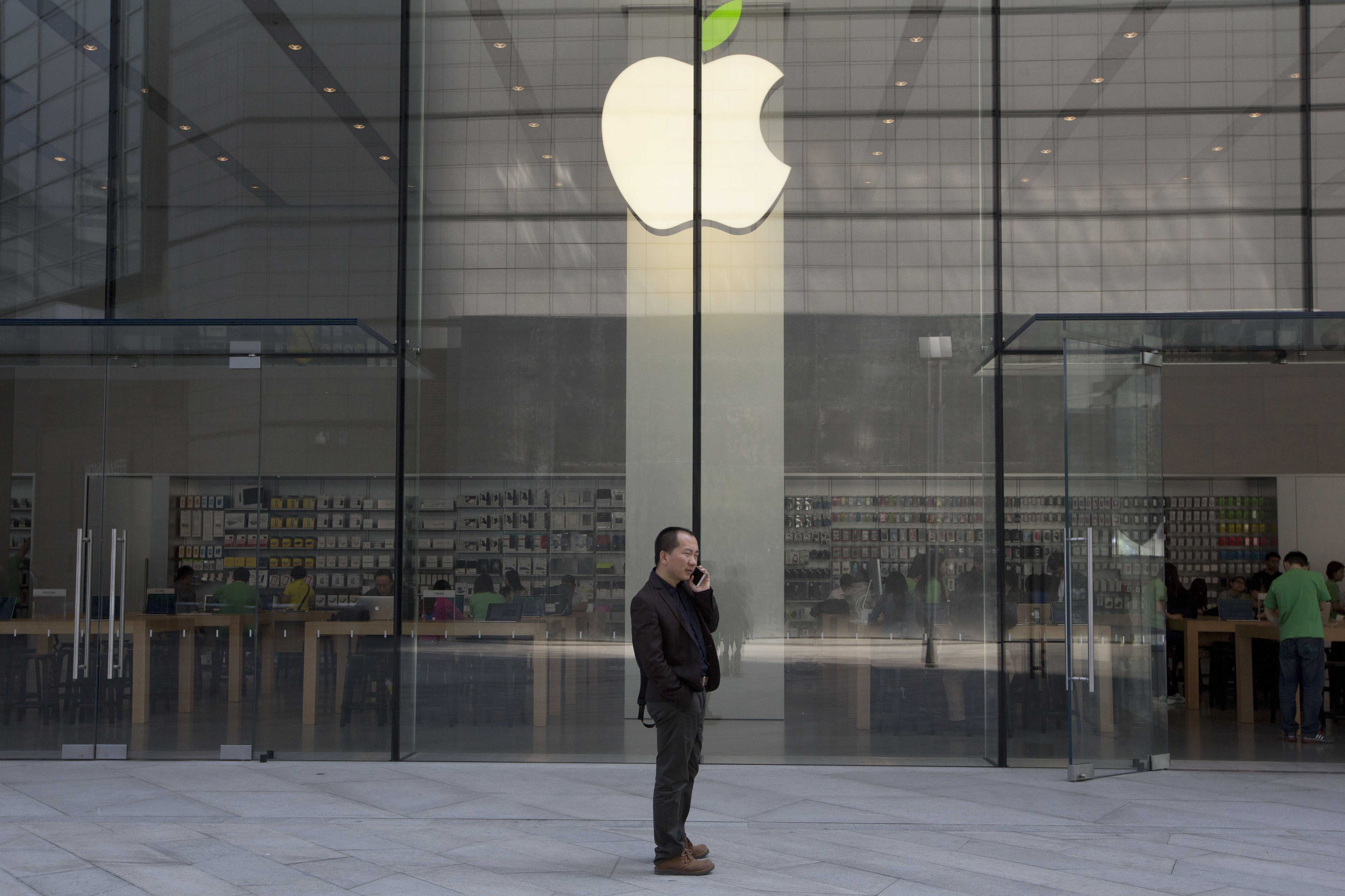 В странах-участниках программы по отзыву бракованного аксессуара для iPhone владельцы смартфона могут обратиться в Apple