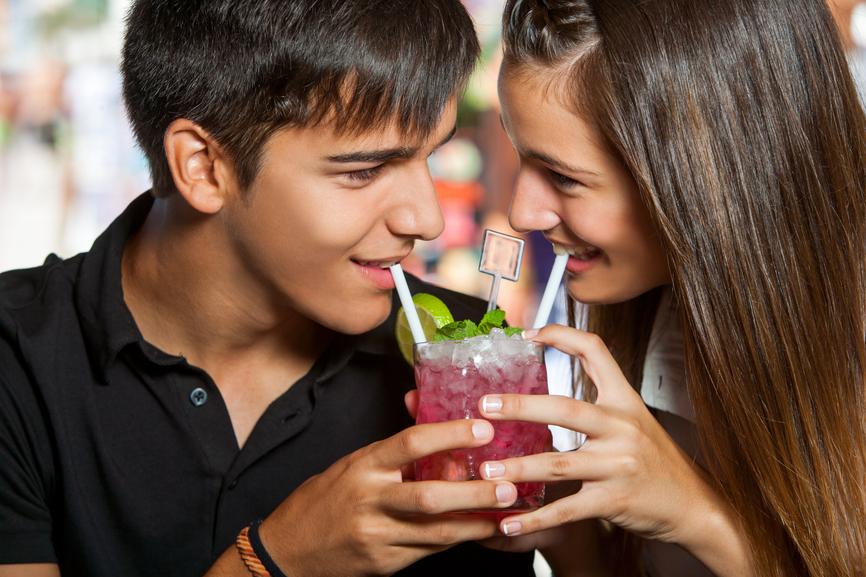 Выпивка в компании с женщиной может закончиться сексом