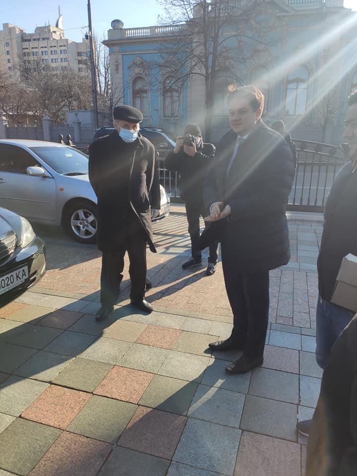 Спикер парламента поблагодарил водителей, которые будут помогать в борьбе с эпидемией коронавируса