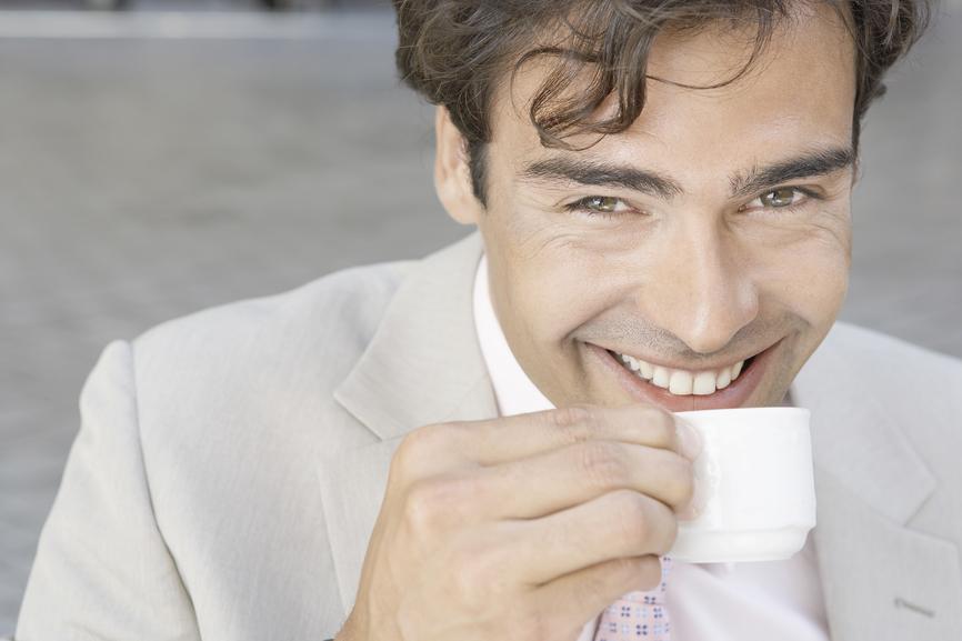 Кофе поднимает настроение, если пить его в меру