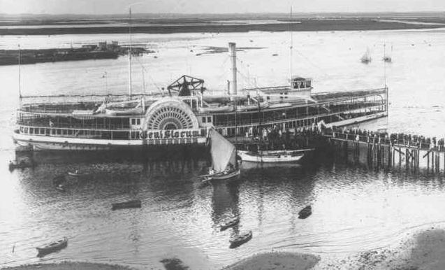 Пожар на борту корабля Генерал Слокам отнял жизни тысячи людей