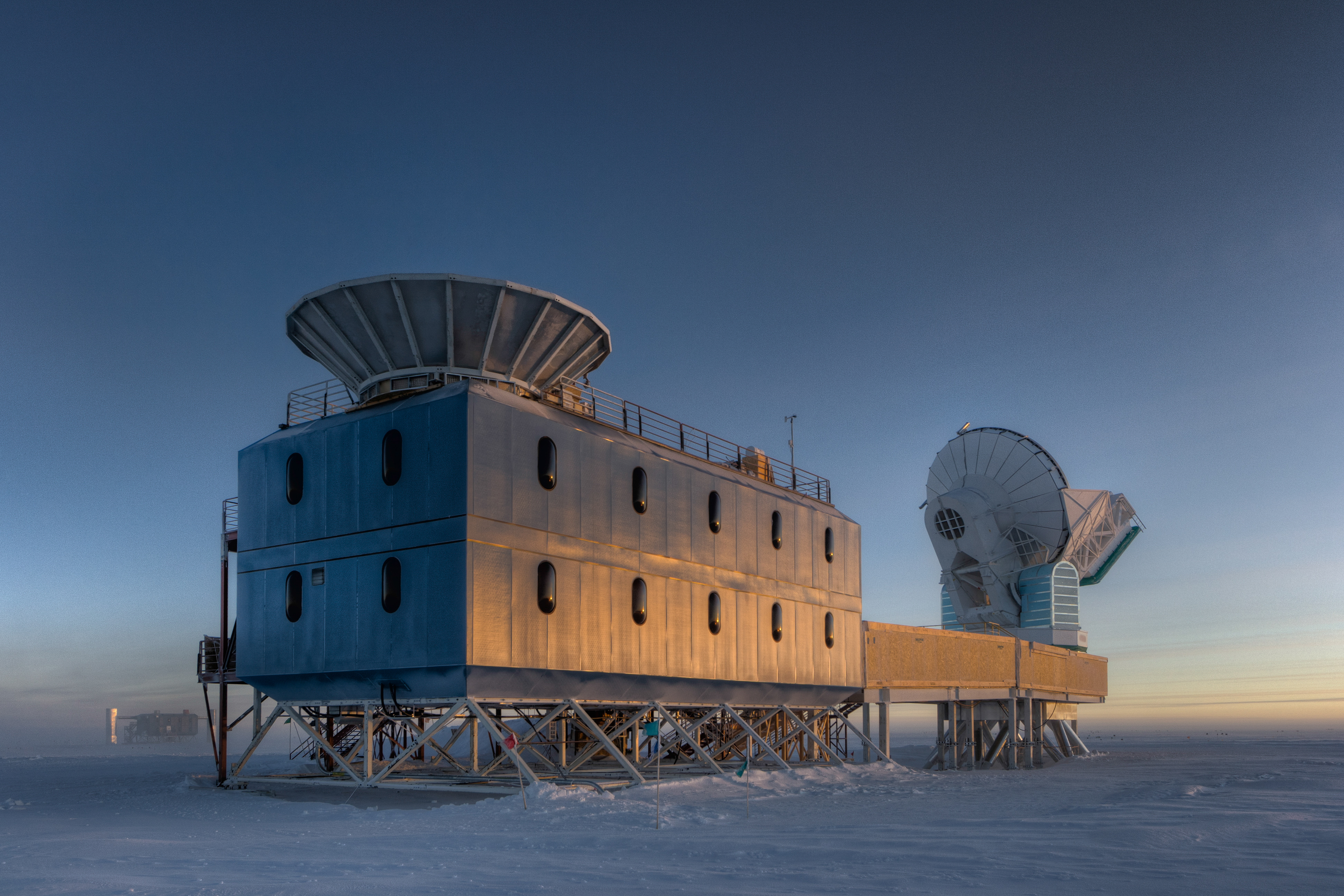 Знакомься: это BICEP2 - телескоп, обнаруживший гравитационные волны