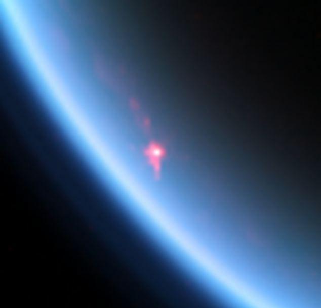 Солнечный блик на озере на Титане