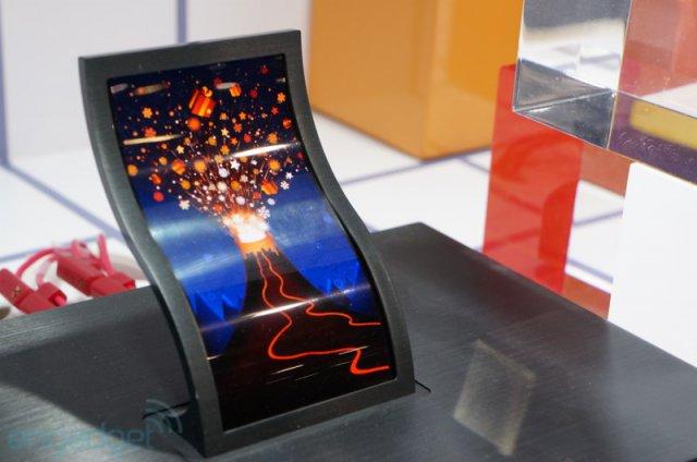 LG продемонстрировала гибкий и прочный OLED дисплей