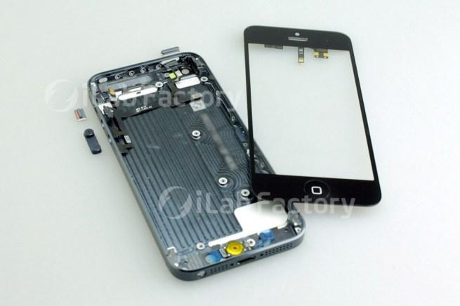 iPhone 5 в разобранном виде