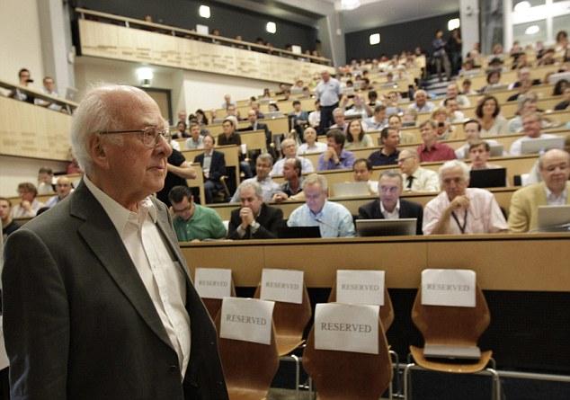 Питер Хиггс на конференции в Женеве