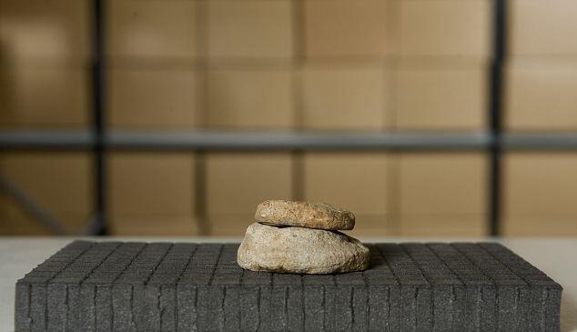Камни изготавливались из разбитой посуды