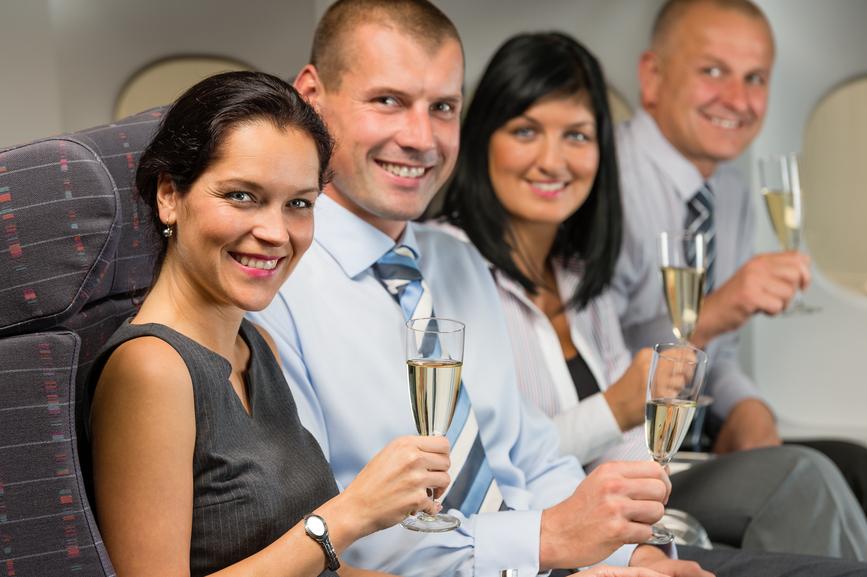 В самолете если и пить - то только в компании с женщинами