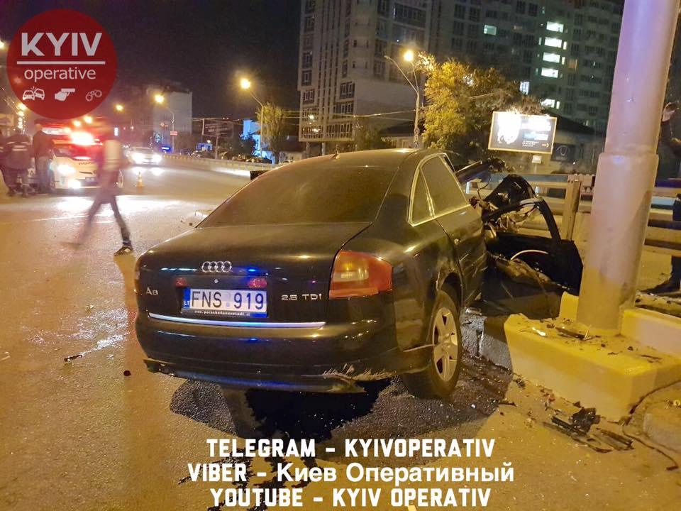 Водитель Audi чудом не получил серьезных повреждений