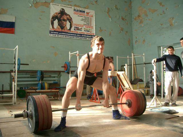 Становая тяга - популярное упражнение среди тех, кто хочет быстро накачаться