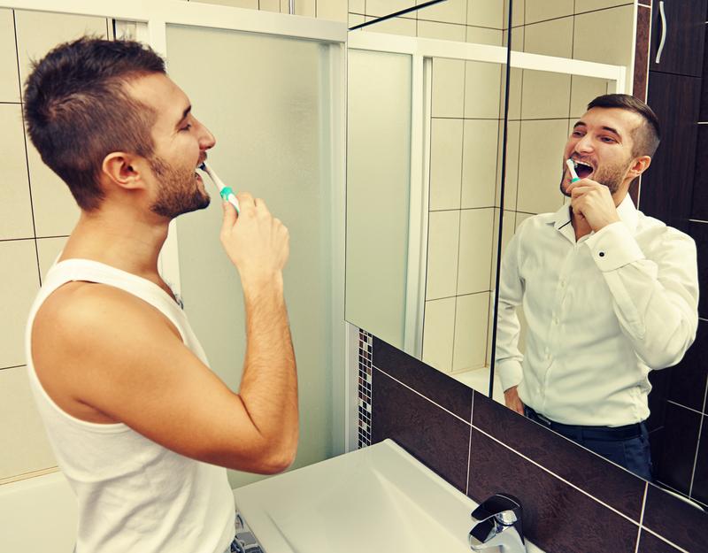 Чисти зубы утром и вечером