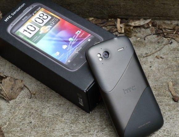 Четвертая позиция у HTC Sensation. Смартфон теряет популярность, спустившись за месяц на одну позицию.