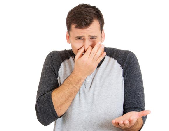 запах изо рта и газы причины