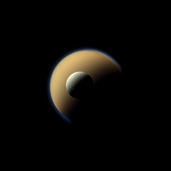 Спутники Сатурна Титан и Рея