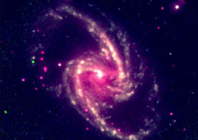 Ученые проследили за вращением черных дыр