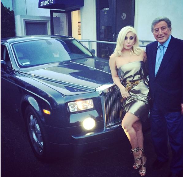 На чем ездит Леди Гага: Роскошный автопарк звезды