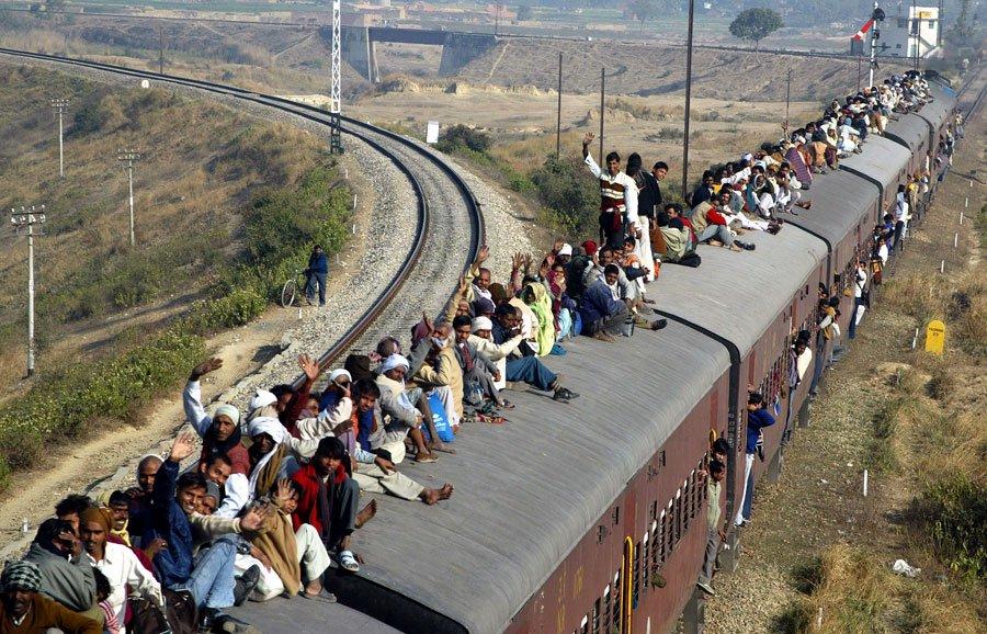 В некоторые поезда лучше не садиться - а ехать сверху