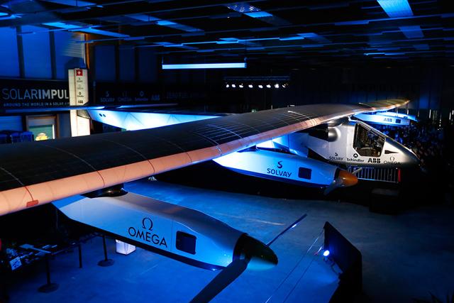 Самолет на солнечных батареях готовят к рекордному перелету