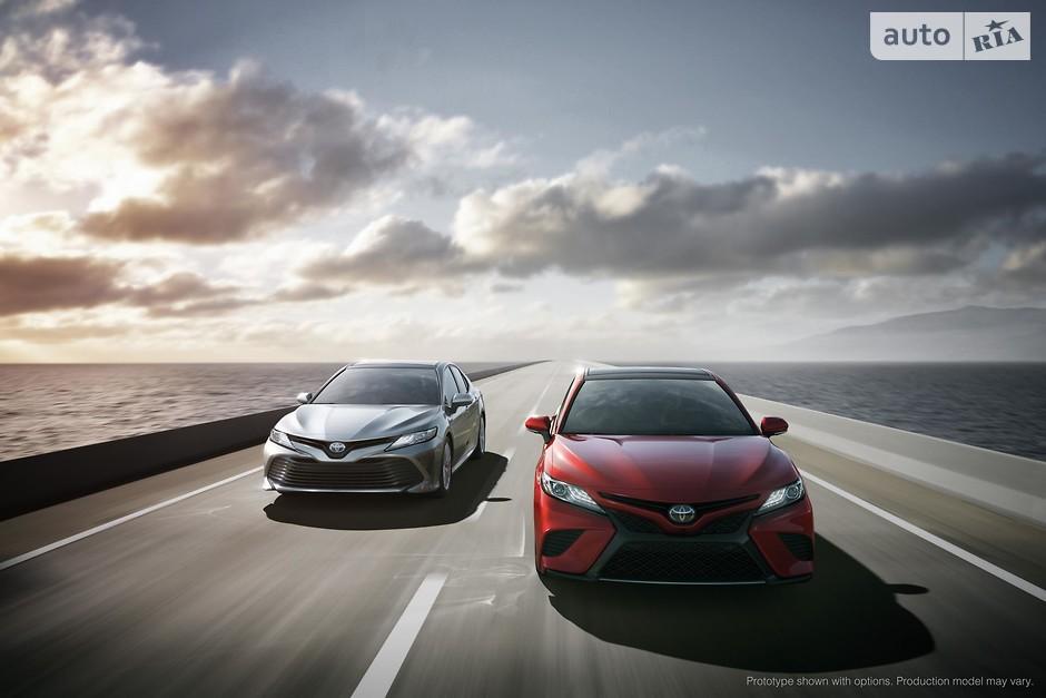 9. Toyota Camry (559 100 проданных авто)