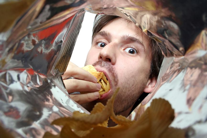 Чем больше чипсов - тем больше мешков под глазами