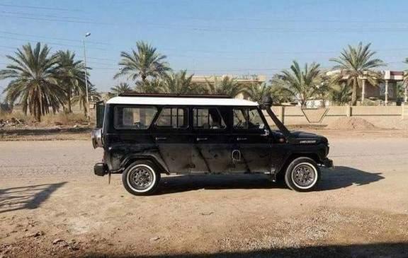 УАЗ-лимузин в Египте - крыша покрашена в белый цвет для меньшего нагрева