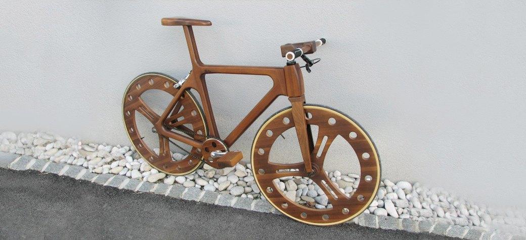 Как считаешь, седло у Wooden Bike тоже из орехового шпона?