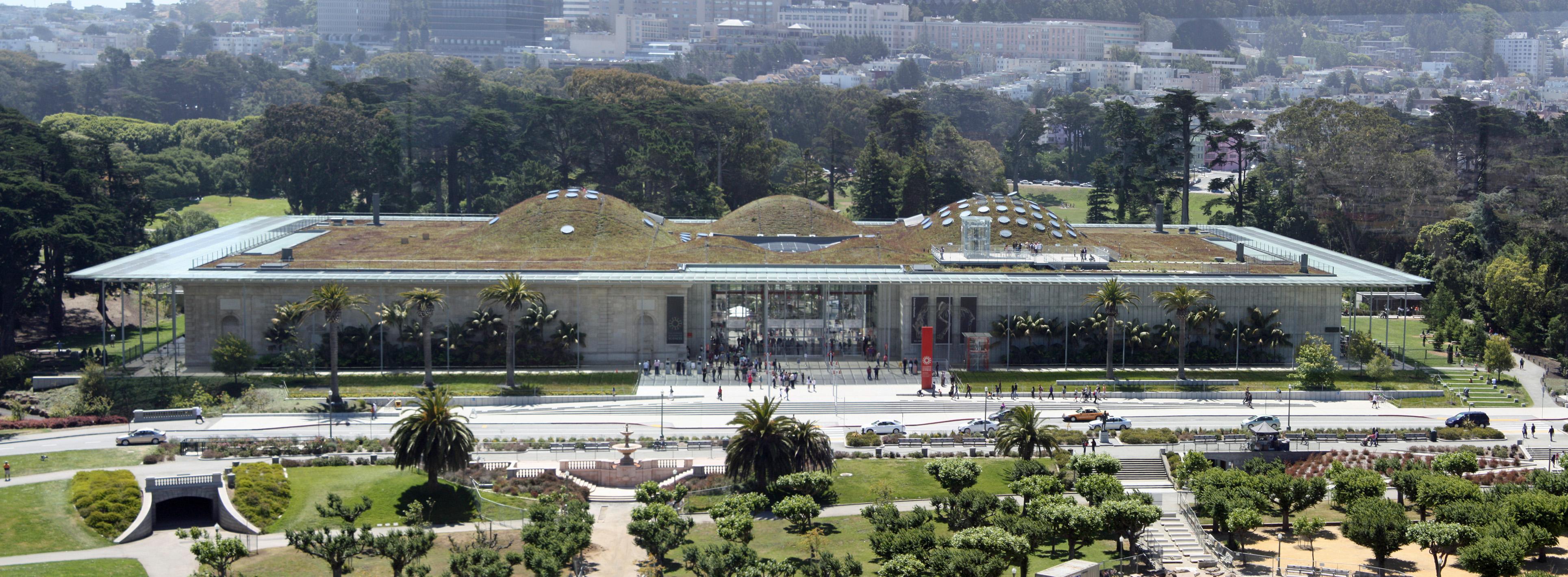 На крыше Калифорнийской академии можно играть в гольф