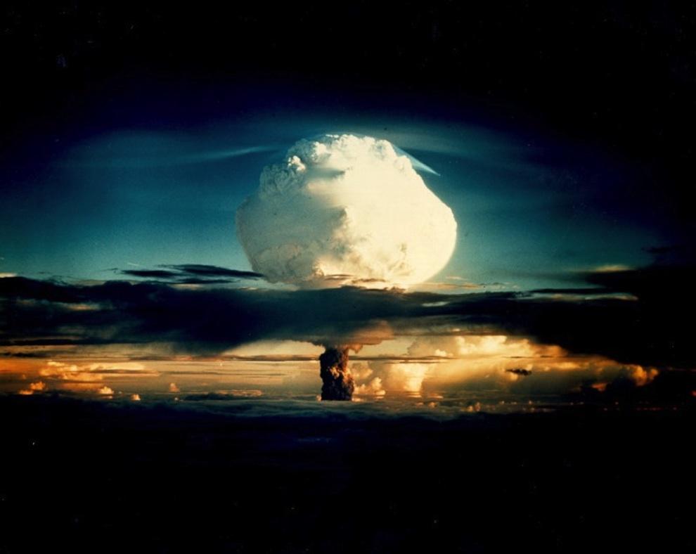 Взрыв на атолле Эниветок