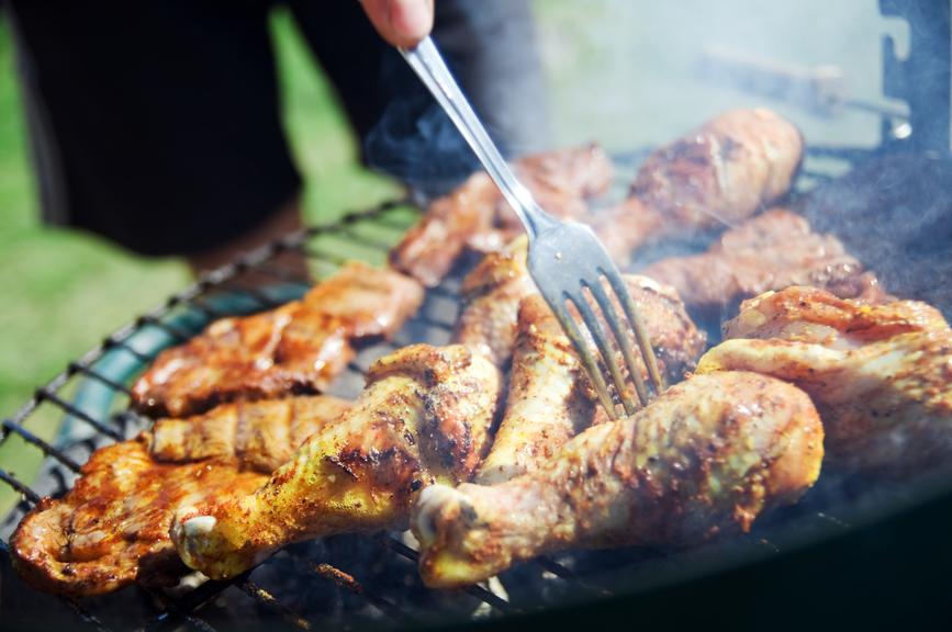 В любом возрасте мужчинам нужно есть побольше мяса