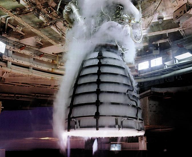 Двигатель SLS — он имеет большую грузоподъемность.