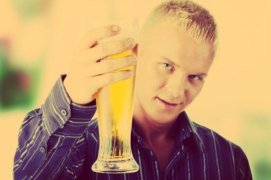 А из каких бокалов пить пиво привык ты?