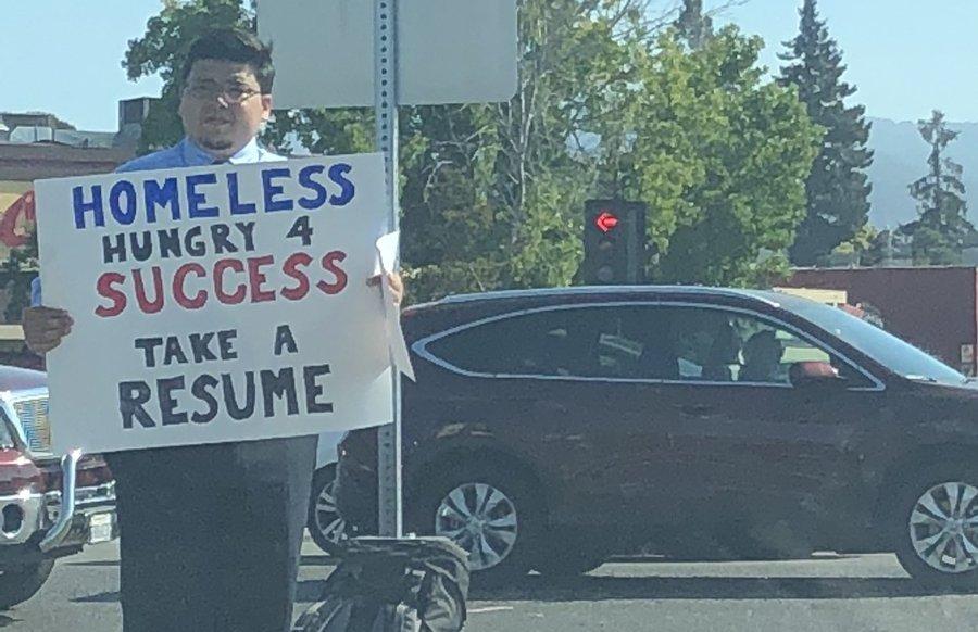 Герой дня: бездомный, которого зовут на работу Google и Netflix