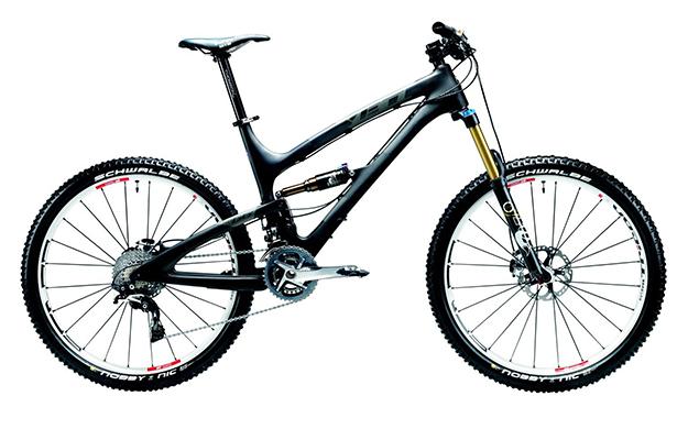 Горный велосипед Yeti SB66 Carbon. Суперлегкая и прочная карбоновая рама превосходно отцентрована, что делает путешествие в горах очень удобным и не навязчивым. Система передач сконструирована таким образом, чтобы при сильных колебаниях заднего амортизатора не происходило провисание цепи. Цена - $5600