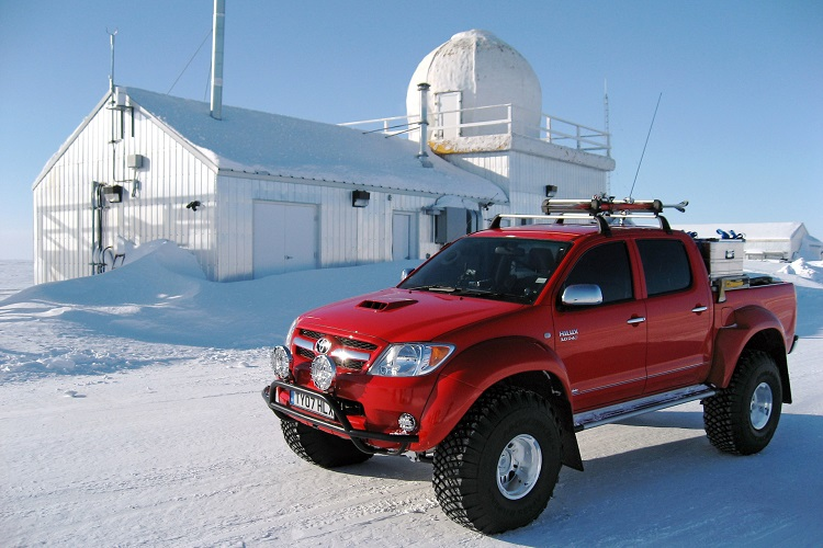 Toyota Hilux - один из лучших автомобилей для любителей бездорожья