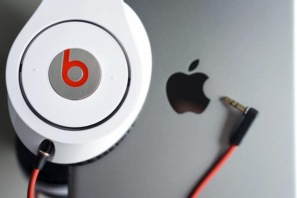 Apple разрешили купить Beats