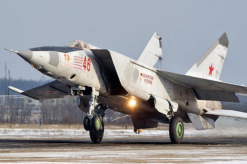 МиГ-25 развивает трехкратную скорость звука и способен поражать цели на расстоянии до 25-ти км