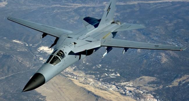 Aardvark F111 - лучший бомбардировщик наземных противников