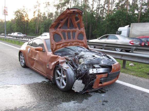 ДТП на Бориспольской трассе: Nissan перевернул Hyundai