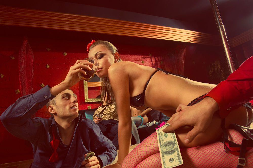 День святого Валентина не обходится без девушек и алкоголя