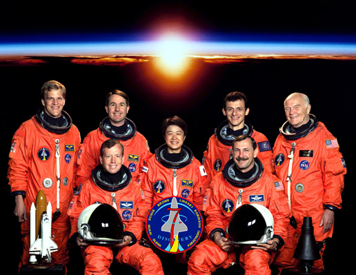 Джон Гленн в составе экипажа шаттла Discovery